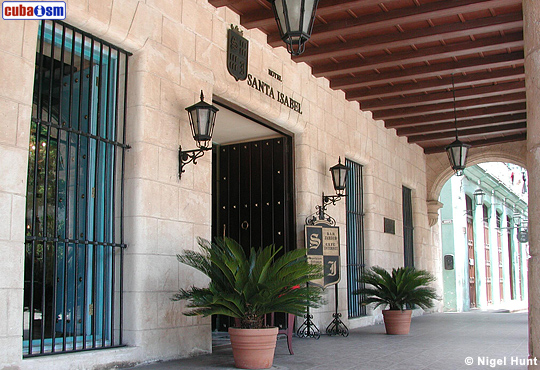Hotel Santa Isabel Entrance